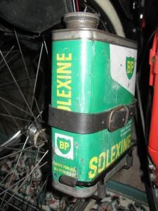 Solexine bensindunk, monteret på model 330.